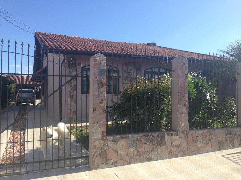Casa – Rua Alfredo Scorsin, 457 – São Braz – Ref. 3070
