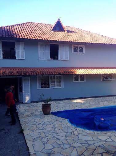Chácara em Colombo 8.466,69M² Casa Sede Casa Caseiro Piscinas Sauna Lareira Campo Futebol Canil Itajacuru  Ref. 8617