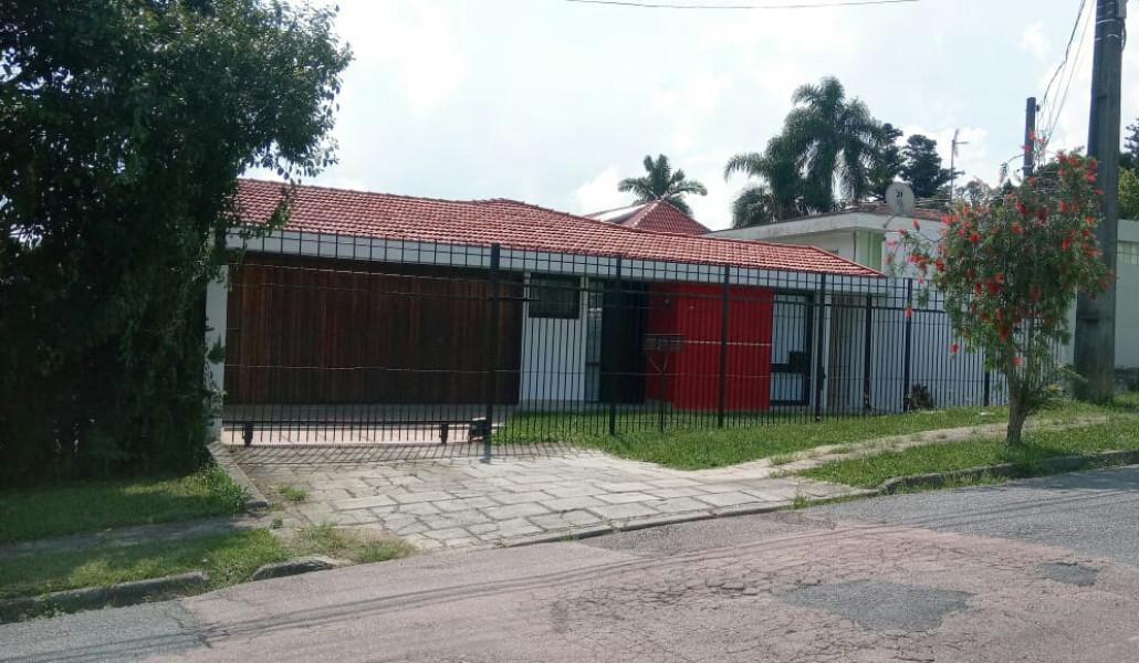 Casa Para Locação Empresarial Semi Mobiliada 365m² 8 Dormitórios Acomoda Até 40 Pessoas Mercês  Ref. 8625