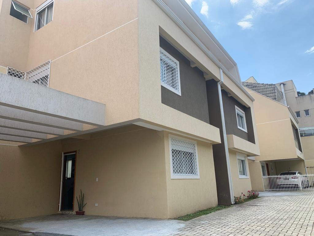 Casa 134m² Semi Mobiliada 3 Dorm(3 Suítes) 2 Vagas Condomínio Fechado Ahú  Ref. 8620