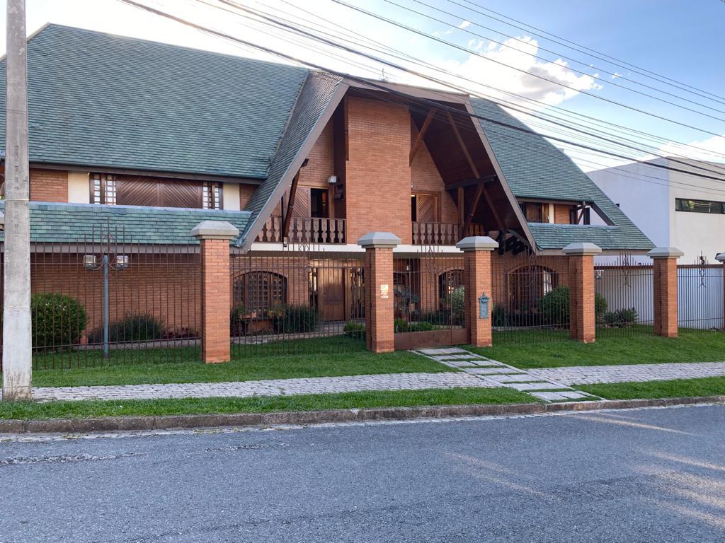 Residência comercial/residencial 560m², ZR3 RESIDÊNCIA ESTILO ALEMÃO/SUIÇO (REF. 8635)