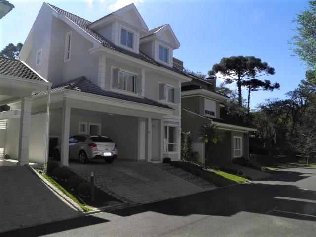 Belíssima Casa em Condomínio Fechado em Santa Felicidade- 285m² Ref. 8631